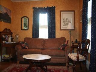 1 bedroom House with Waterfront in Fredericksburg - Fredericksburg vacation rentals