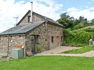 THE BYRE, family friendly, character holiday cottage, with a garden in Combe Martin, Ref 10149 - Combe Martin vacation rentals