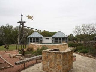 Hill Country Bungalow - Fredericksburg vacation rentals