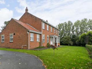 WOODHILL, pet friendly, country holiday cottage, with a garden in Cottingham, Ref 9741 - Tunstall vacation rentals