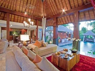 Villa Dani - The Honeymoon Suite - Buwit vacation rentals