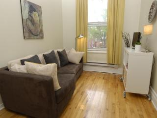 Live like a true Montrealer 20 min from downtown - Montreal vacation rentals