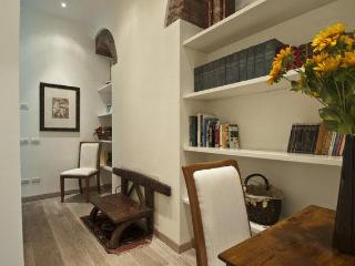 La Dolce Vi.ta. Sui Navigli - quite and cozy location in Milano - Milan vacation rentals