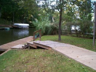 Masters ReadyGreat Lakefront Getaway-Dock,Jacuzzi, - Eatonton vacation rentals