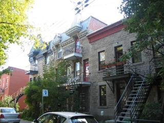 Fabulous apt. in the heart of Plateau Mont-Royal - Westmount vacation rentals