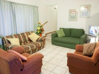 Lovely 7 bedroom Durban Condo with Internet Access - Durban vacation rentals
