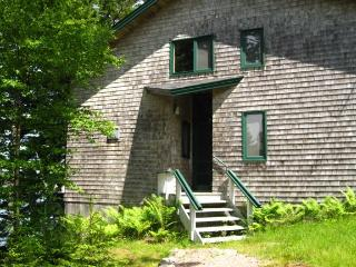 3 bedroom House with Internet Access in Seal Cove - Seal Cove vacation rentals