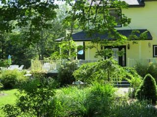 Charming 4 bedroom Mount Desert House with Internet Access - Mount Desert vacation rentals