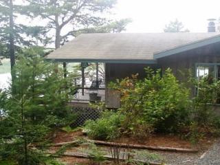Beautiful 3 bedroom Northeast Harbor House with Internet Access - Northeast Harbor vacation rentals