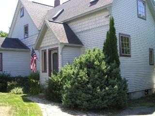 Comfortable 4 bedroom Northeast Harbor House with Internet Access - Northeast Harbor vacation rentals