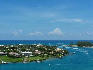 Walk to Beach! Luxury House on Jupiter Island! - Jupiter vacation rentals