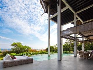 Beach villa Bula, Tangguwisia, Bali - Seririt vacation rentals