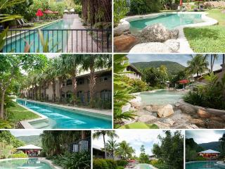 25 REVIEWS confirm 5 star quality - Palm Cove vacation rentals