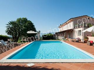 Bright 4 bedroom House in San Pietro a Marcigliano with Deck - San Pietro a Marcigliano vacation rentals