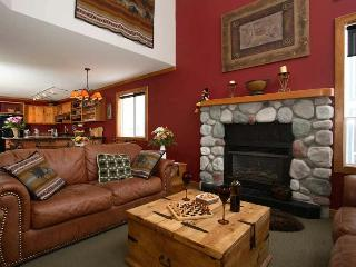 SLOPESIDE LUXURY: 4Bed/4Bath+Den - Vernon vacation rentals