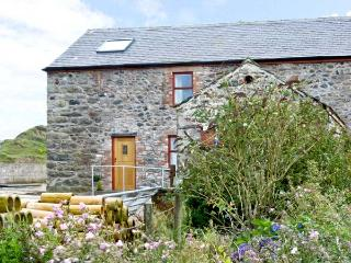 MUNCASTER VIEW , pet friendly, character holiday cottage, with open fire in Ravenglass, Ref 9863 - Kirksanton vacation rentals