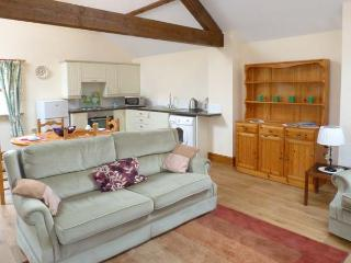 MUNCASTER VIEW , pet friendly, character holiday cottage, with open fire in Ravenglass, Ref 9863 - Ravenglass vacation rentals