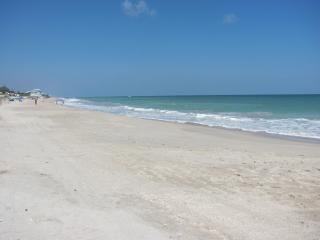 Beautiful 2/2.5 Townhome/ private beach access - Vero Beach vacation rentals