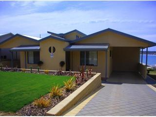 BIRUBI HOLIDAY HOMES, award winning accommodation. - Emu Bay vacation rentals