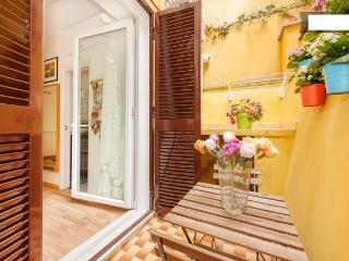 COLISEUM APTS. MANZONI HOUSE- Chic&Cheap-WiFi-AC - Rome vacation rentals