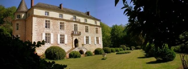 Chateau Sainte Aulaire vacation holiday villa chateau rental france, dordogne, perigueux, vacation holiday villa chateau to rent france, dordog - Image 1 - Perigueux - rentals
