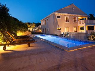 Stunning 5 star property, pool, parking & sea view - Split vacation rentals