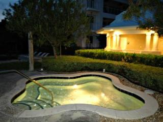 Exquisite 4 bedroom, 4 bath! 607 Mariners Club - Key Largo vacation rentals