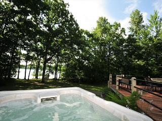 Marvelous 5 Bedroom Lakefront Home w/ Private Dock in upscale community! - Oakland vacation rentals