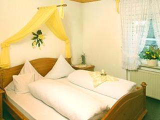 LLAG Luxury Vacation Apartment in Leiwen - 560 sqft, friendly, relaxing, comfortable (# 1757) - Leiwen vacation rentals
