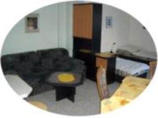 Vacation Apartment in Ober-Mörlen - 431 sqft, clean, centrally located (# 1974) - Bad Nauheim vacation rentals