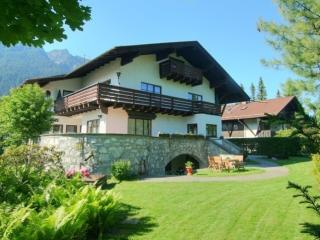 Vacation Apartment in Garmisch-Partenkirchen - 947 sqft, beautiful backyard, 3 bedrooms,amazing views,… - Garmisch-Partenkirchen vacation rentals