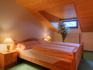 Vacation Apartment in Garmisch-Partenkirchen - 753 sqft, beautiful backyard, amazing views, great location… - Jachenau vacation rentals