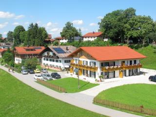 LLAG Luxury Vacation Apartment in Schwangau - 753 sqft, quiet, beautiful, relaxing (# 1438) - Schwangau vacation rentals
