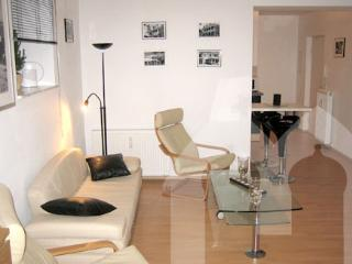 Vacation Apartment in Munich - 420 sqft, modern, clean, central (# 492) - Eichenau b Muenchen vacation rentals