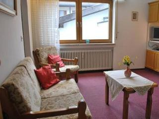 Vacation Apartment in Garmisch-Partenkirchen - 301 sqft, comfortable, near hiking trails, balcony or… - Garmisch-Partenkirchen vacation rentals