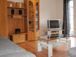 Vacation Apartment in Nuremberg - 560 sqft, family-friendly, modern, suitable for seniors (# 1839) - Nuremberg vacation rentals