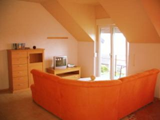 Vacation Apartment in Bacharach - 915 sqft, new apartment, beautiful views to Rhine river and Taunus… - Bacharach vacation rentals