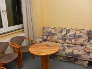 Vacation Apartment in Bochum - 667 sqft, central, affordable, quiet (# 1719) - Dortmund vacation rentals