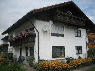 Vacation Apartment in Schwangau - 861 sqft, terrace, bike storage, carport (# 1246) - Schwangau vacation rentals