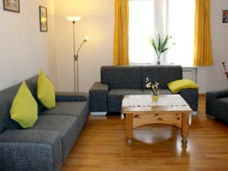 LLAG Luxury Vacation Apartment in Konstanz - 1345 sqft, beautiful, modern, quiet, central (# 1404) - Überlingen vacation rentals