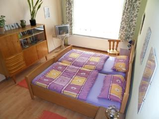 Vacation Apartment in Leipzig - 646 sqft, central, rustic (# 1697) - Leipzig vacation rentals