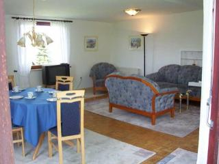 Vacation Apartment in Schenefeld - 861 sqft, quiet, beautiful, modern (# 1500) - Schenefeld vacation rentals