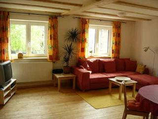 Vacation Apartment in Ravensburg - 861 sqft, located on a spacious farm - fun - Ravensburg vacation rentals