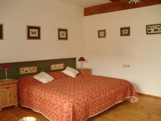 Vacation Apartment in Burgoberbach - luxurious, rustic, comfortable (# 318) - Burgoberbach vacation rentals