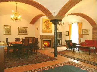 LLAG Luxury Vacation Apartment in Burgoberbach - luxurious, rustic, comfortable (# 321) - Burgoberbach vacation rentals
