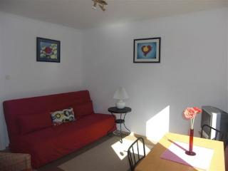 Vacation Apartment in Cologne - 484 sqft, centrally located, modern (# 521) - North Rhine-Westphalia vacation rentals