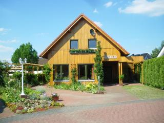 LLAG Luxury Vacation Apartment in Rieste - 1184 sqft, quiet location, modern (# 1643) - Lower Saxony vacation rentals