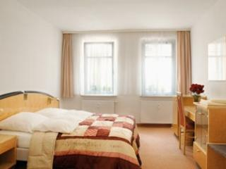 LLAG Luxury Vacation Apartment in Nuremberg - nice, modern, clean (# 653) #653 - LLAG Luxury Vacation Apartment in Nuremberg - nice, modern, clean (# 653) - Nuremberg - rentals