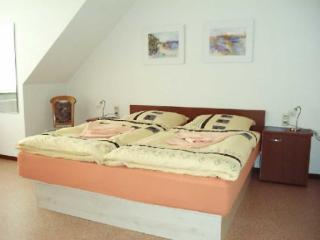 Vacation Apartment in Narsdorf - affordable, rec room (# 711) - Narsdorf vacation rentals