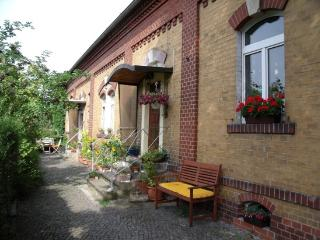Vacation Apartment in Dresden - 398 sqft, new, modern (# 355) - Dresden vacation rentals